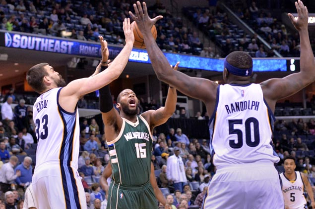 Memphis overcomes sluggish start, use second quarter surge to maul Milwaukee