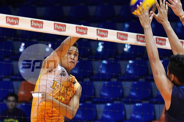 FEU Tamaraws spikers find right combination just in time to dispose of Warriors