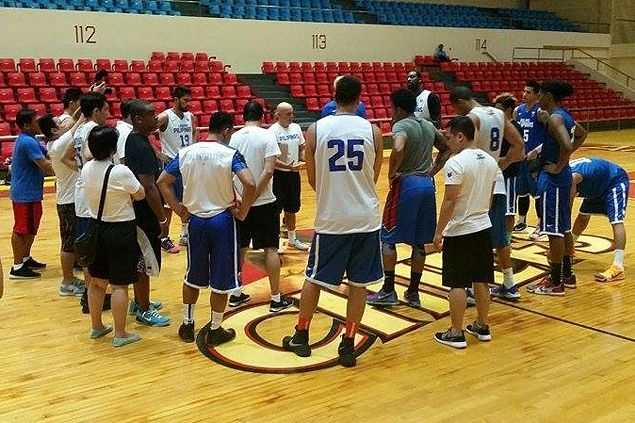 Twice-a-day practices, team building set in Cebu as Gilas trains away from madding crowd