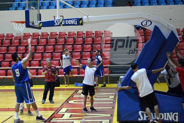 Goal in Cebu stadium collapses in Gilas practice after Andray Blatche slam