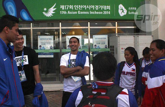 Gilas stars turn cheerleaders as PH Blu Girls keep Asiad medal hopes alive