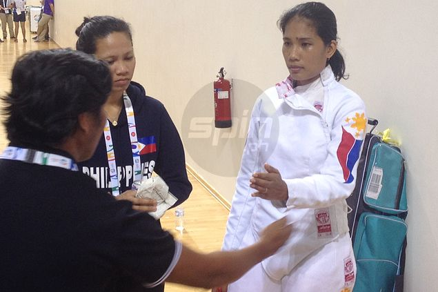 Harlene Raguin falls short against Vietnamese foe as fencing gives PH another silver in SEA Games