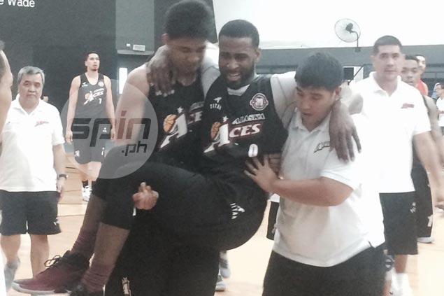 Double black eye for Alaska as import Henton injured in tune-up loss to Meralco