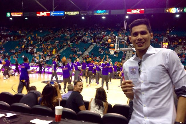 Dondon Hontiveros gets to feel how it is to be a fan and mediaman, even for a day