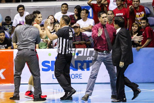 Dondon Hontiveros left dumbfounded after Narvasa points finger at him in middle of commotion
