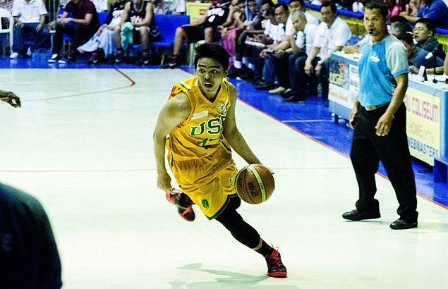 Blow to USC Warriors title hopes in Cebu league as Ian Ortega suffers ACL injury