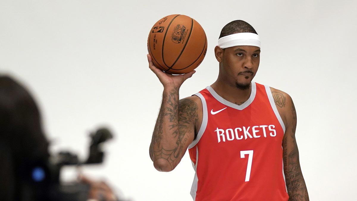 Carmelo Anthony shuns questions about bench role with ...