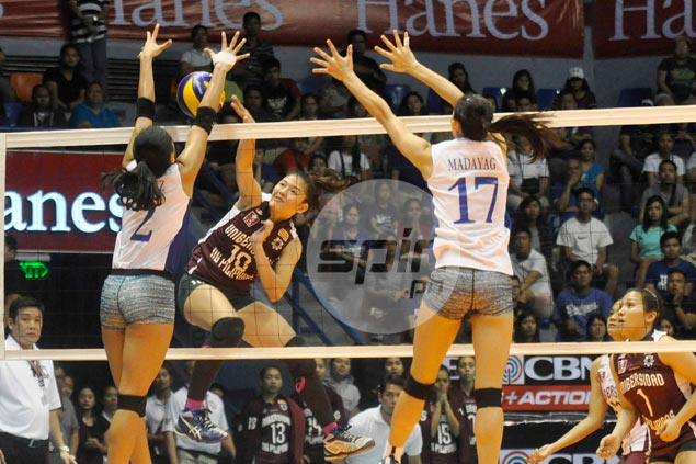Gritty UP Lady Maroons extend woes of Ateneo Lady Eagles with famous victory