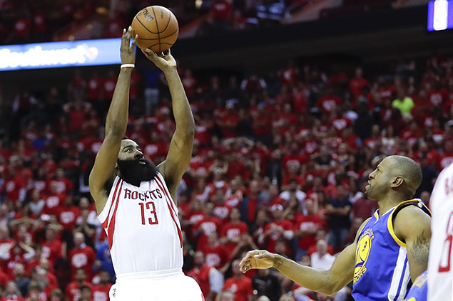 Harden hits game-winning fadeaway to lift Rockets in thriller over Curry-less Warriors
