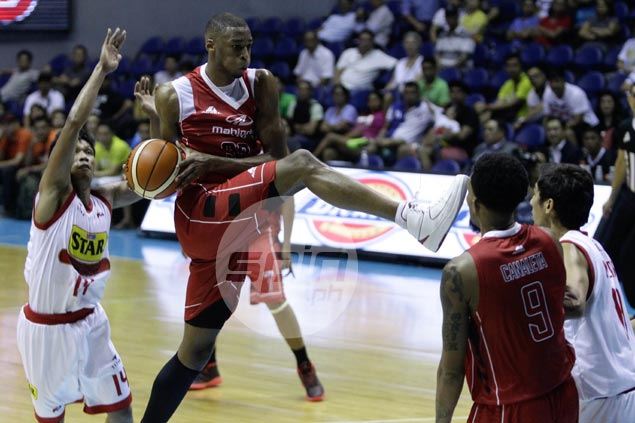 Young Mahindra import James White plays with maturity, gives rookie coach Gavina 'MJ moment'