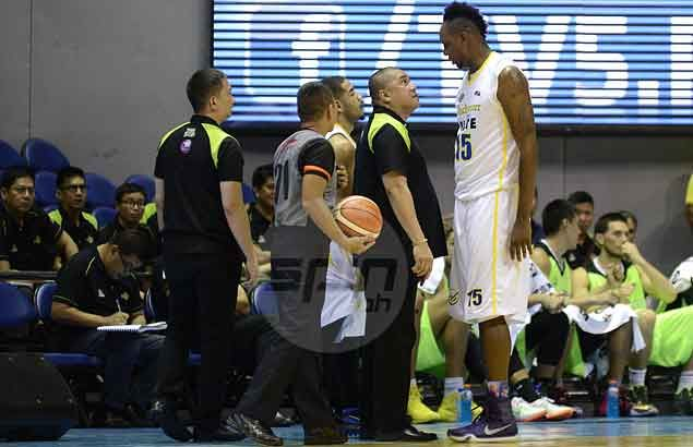 GlobalPort coach Jarencio plays down sideline spat with Douthit: 'Konting kilitian lang'