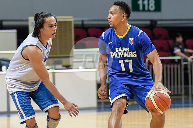 Castro makes transition from student of Alapag to mentor to new boy Romeo