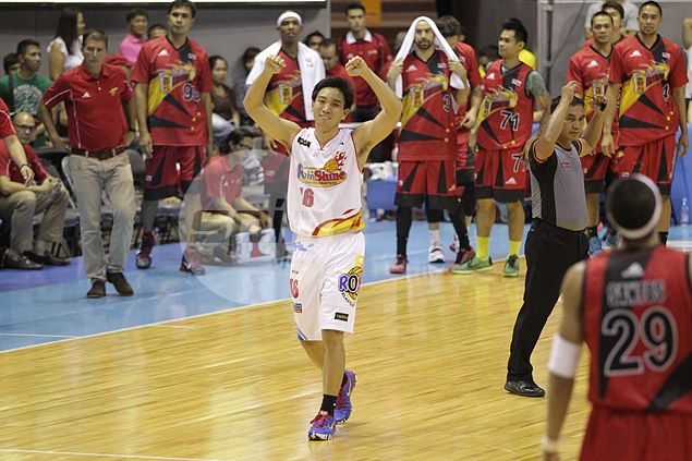 Jeff Chan signed to maximum deal by Rain or Shine worth P15.12M over three years