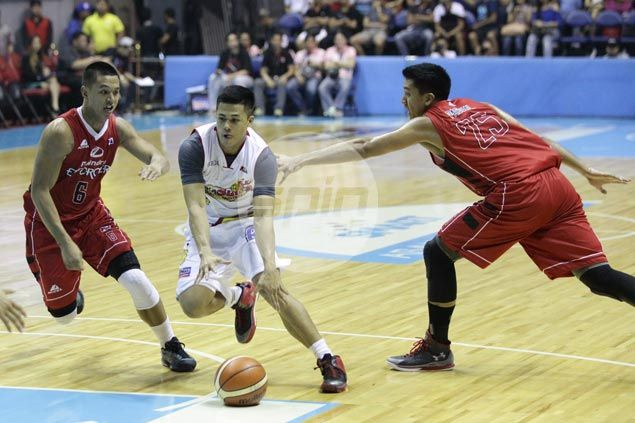 Rain or Shine makes it two wins in a row, spoils Pacquiao debut for Mahindra
