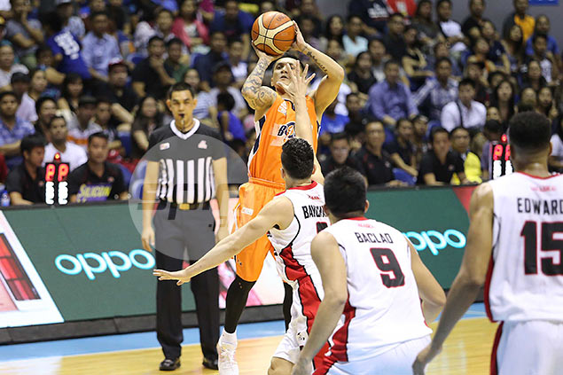 Meralco rides Jimmy Alapag's throwback performance to end Alaska hoodoo
