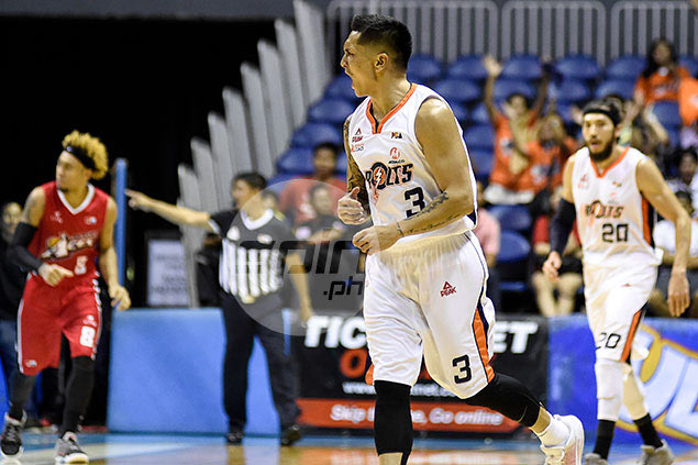 Battle-scarred Jimmy Alapag to lead by example in do-or-die vs experienced Alaska