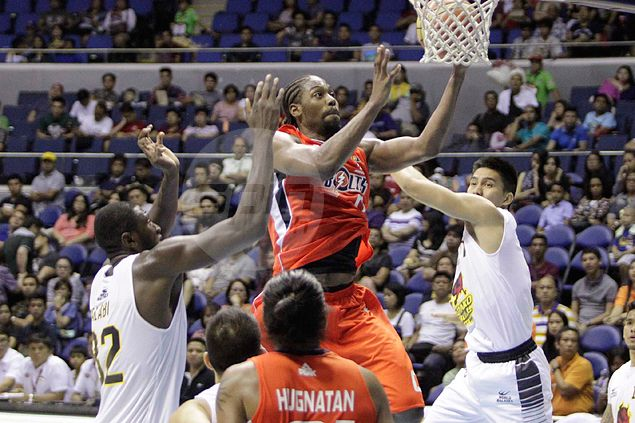 Late treys by David, Hugnatan rescue Meralco in face of Salva-led Barako fightback