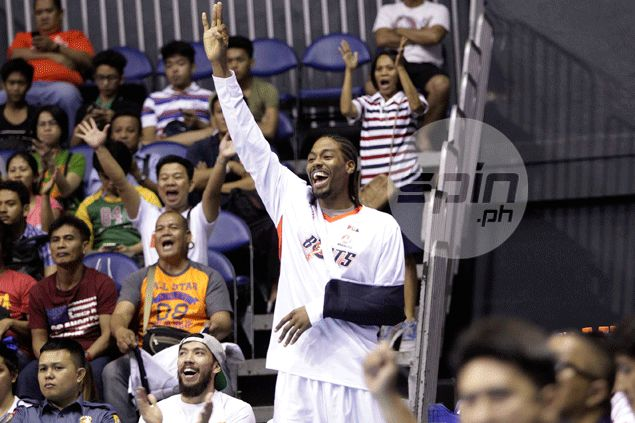 Feeling of helplessness as injured Josh Davis reduced into a cheerleader for Meralco