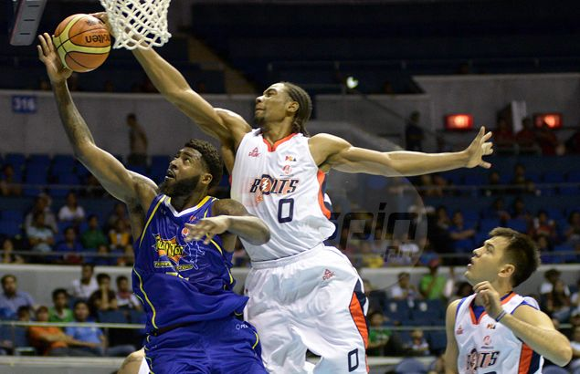 Meralco holds down Talk 'N Text to gain solo lead in Commissioner's Cup