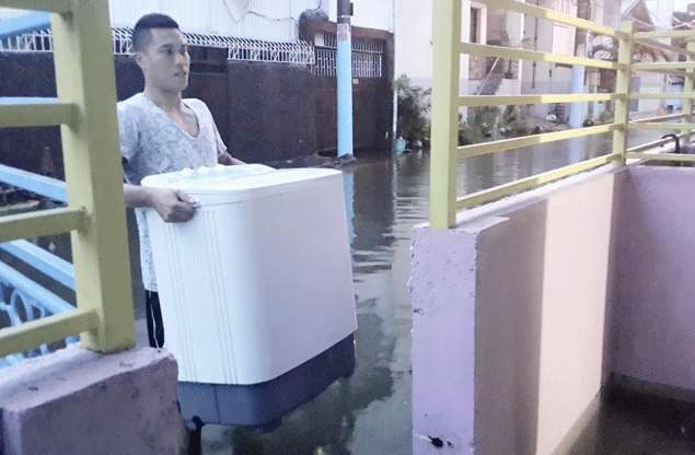 Horror of 'Ondoy' comes flooding back as Jaypee Belencion deals with latest floods