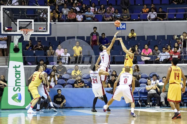 Blackwater survives Allein Maliksi's late heroics, adds to misery of Star Hotshots