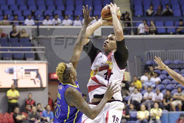 June Mar Fajardo takes fourth-quarter benching in stride: 'Kailangan namin s'ya i-respeto. Coach namin 'yun eh'