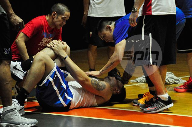Gilas practice begins on wrong foot as Kelly Williams suffers injury in freak accident