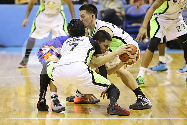 NLEX spoils return of Romeo and Pringle, clips GlobalPort to boost playoff bid