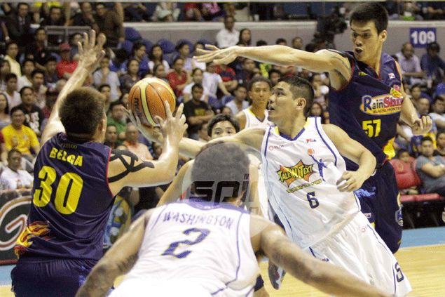 Former draftee Kevin Alas comes back to haunt Rain or Shine with big game for Talk 'N Text