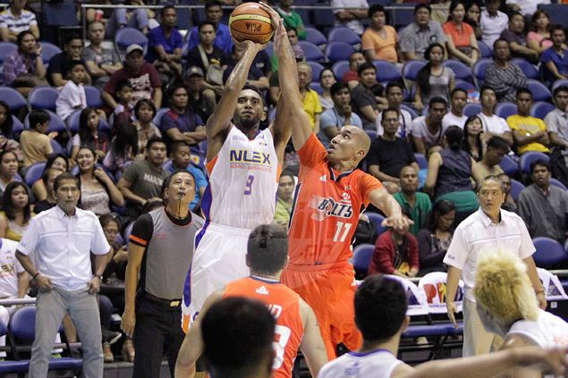 NLEX keeps playoff hopes alive by beating Meralco on KG Canaleta's late heroics