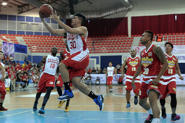Kiefer Ravena makes transition to point guard as he prepares for jump to PBA