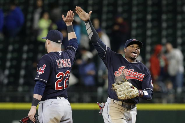 Carrasco strikes out 14 as Indians beat Blue Jays to match franchise-record 13 straight wins