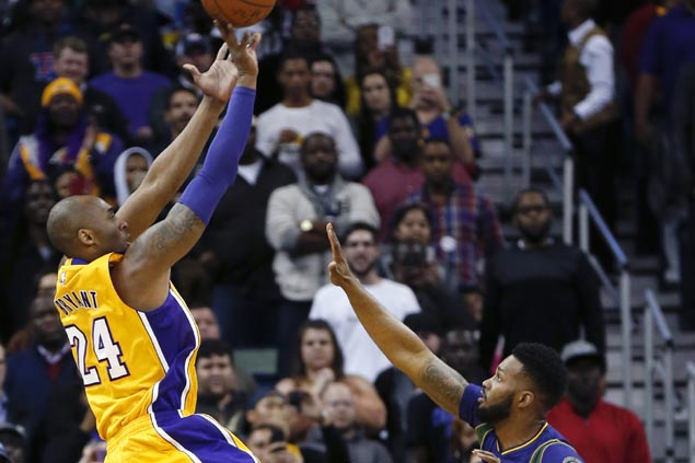 Kobe Bryant caps off second great game in a row with clutch heroics to lead Lakers past Pelicans