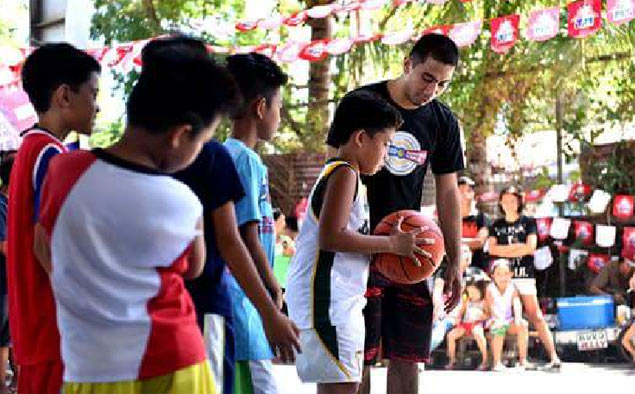 LA Tenorio turns focus to teaching underprivileged kids through 'Para Sa Bayan' program