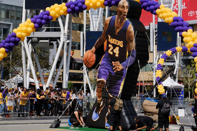 After unbelievable ending, LA Lakers fans brace for life without Kobe Bryant