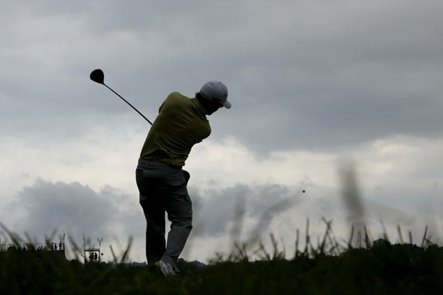 Heavy rains soften Oakmont and shut down first round of play in US Open