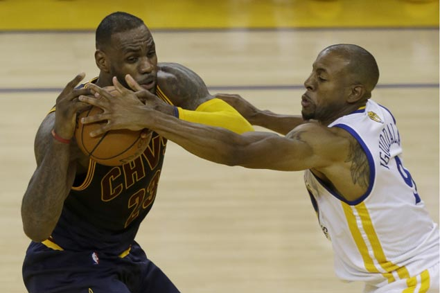 Warriors show true 'Strength in Numbers' as supporting cast ruins Cavs 'Big Three' Finals debut