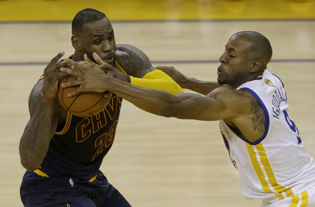 Frustrated LeBron James rues Cavs turnovers, inability to stop Warriors super subs