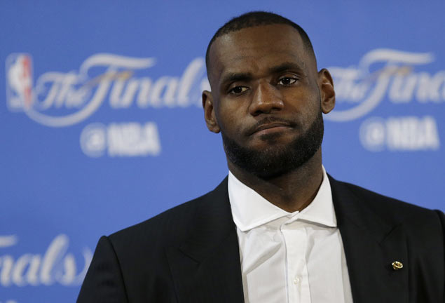 With Stephen Curry out, US Olympic team awaits LeBron James' 'swing' decision