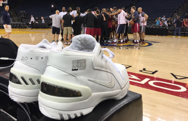 LeBron James goes to pre-Game One practice in his first Nike signature shoe.