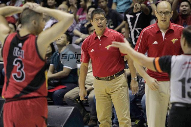 Leo Austria criticizes San Miguel for losing focus yet again: 'I can only do so much'