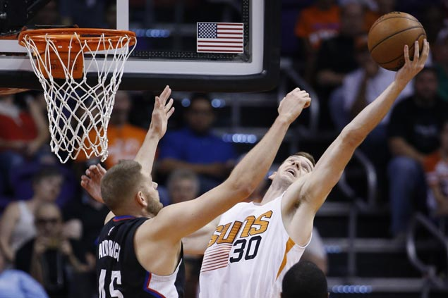 Lowly Suns snap Clippers six-game streak and close frustrating season with a win