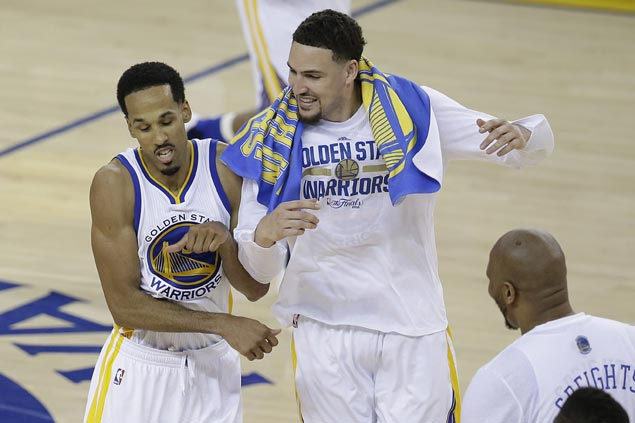Super subs Livingston, Iguodala, Barbosa carry Warriors on rare off night for Splash Brothers