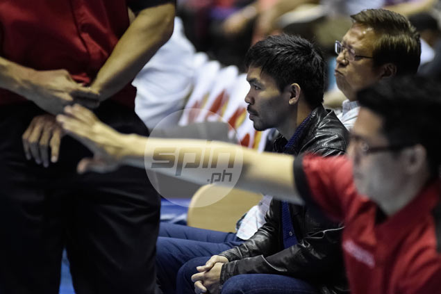 Manny Pacquiao makes rare PBA appearance, cheers for Mahindra from bench