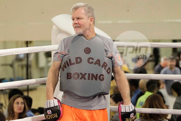 Freddie Roach gives Chris Algieri no chance of pulling an upset against Manny Pacquiao