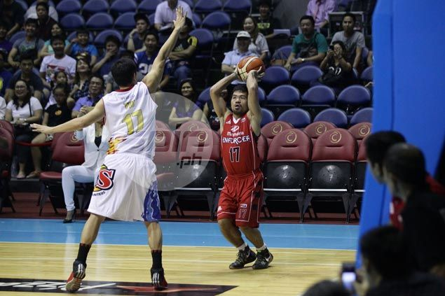 Chris Tiu doesn't mind seeing Manny Pacquiao score first PBA basket off him