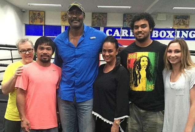 'The Mailman' Karl Malone drops by Manny Pacquiao's training at Wild Card Gym