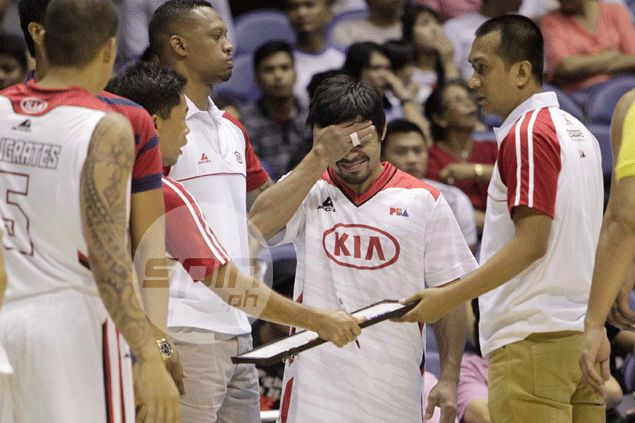 Boxing champ Manny Pacquiao turns peacemaker as KIA, Barako players lose cool