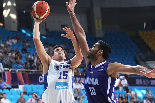 Gilas coach pays tribute to 'energy guys' Pingris, Abueva for providing spark vs India