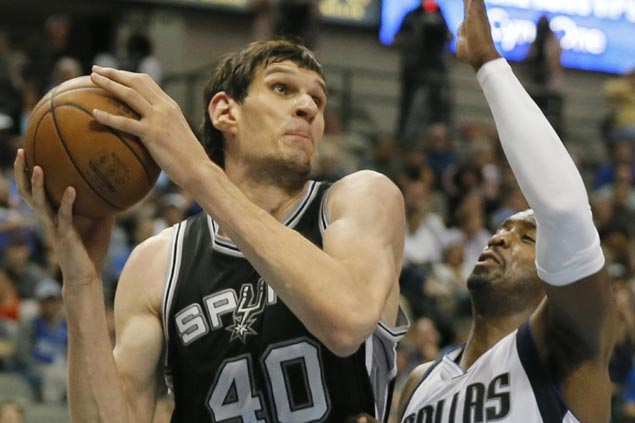 Reserves lead Spurs sans starters to rally past Mavericks in regular season finale